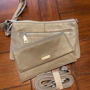Kenneth Cole Reaction Gray Leather Wristlet/Bag